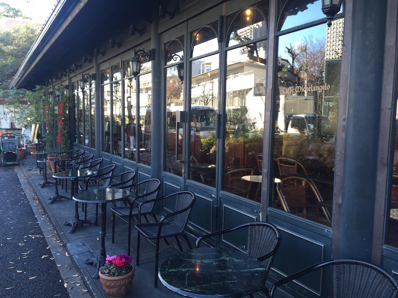 まだ営業してませんでしたが、代官山で一番好きなカフェ「ミケランジェロ」。ココは雰囲気がもう完全に外国です。是非一度行ってみてください。