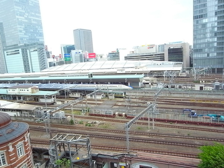 東京駅発着の電車が一望