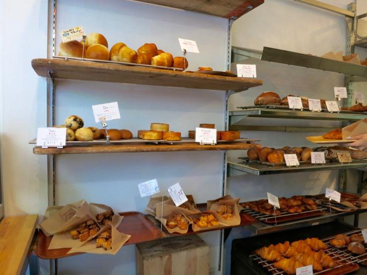 どれも美味しそうなパンばかりで、迷う。
