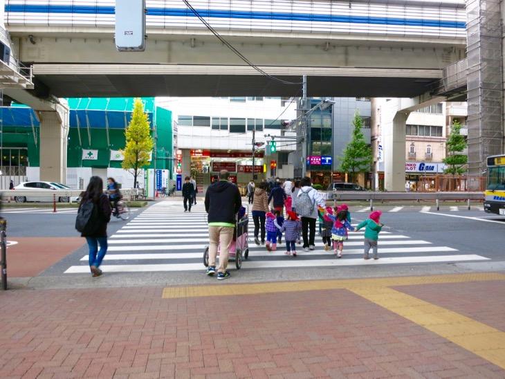 天空庭園を出てから、私とずーっと同じルートで進んできた子供たち。