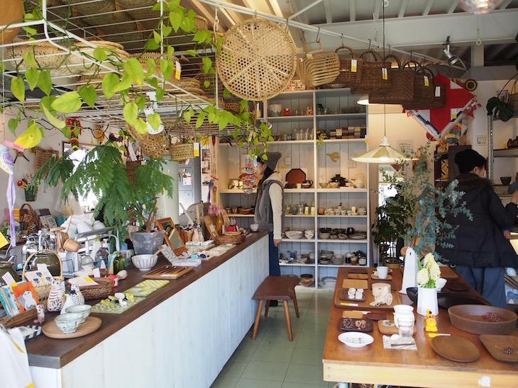素敵な食器や日用品が揃う店。