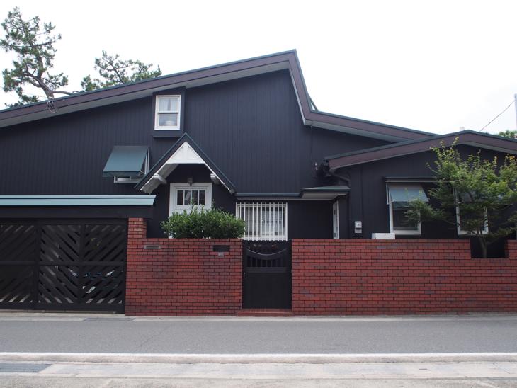 私が好きなお家。通りがかる度に素敵だな〜とうっとり。