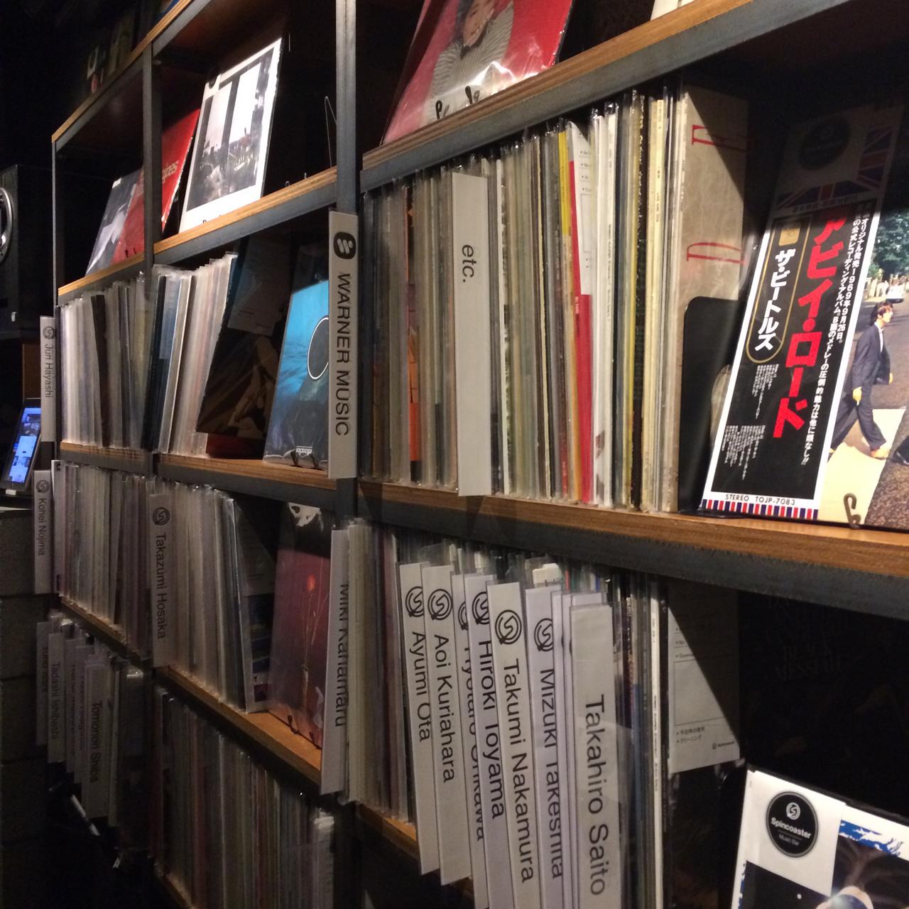 アナログレコードはこの棚から選ぶ