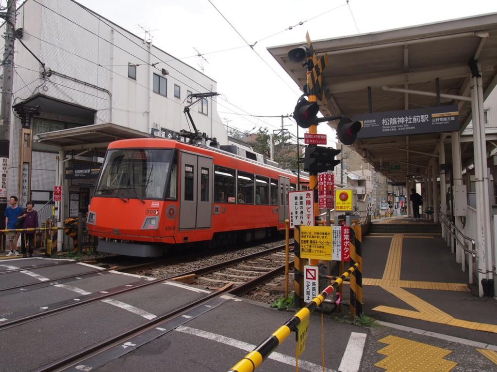 ローカルな路面電車