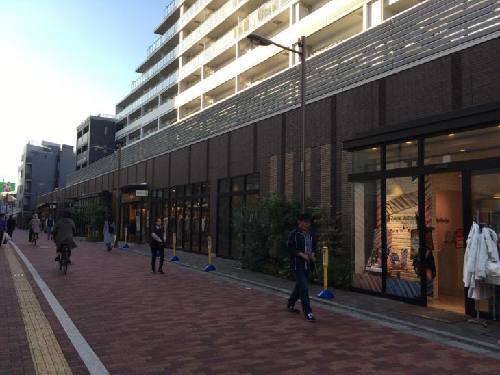 Emio石神井公園 服飾雑貨のお店も増えました