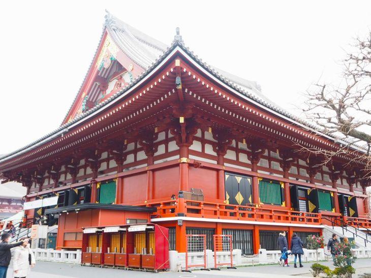 浅草寺の裏手です。どこから見ても美しい。