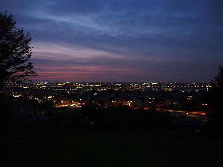 夜景。(すみません、手ぶれしちゃってます...)