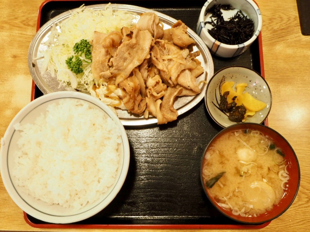 てんこ盛りの生姜焼き
