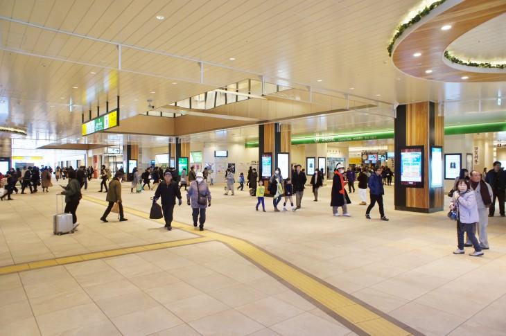 真新しくなったばかりの千葉駅。