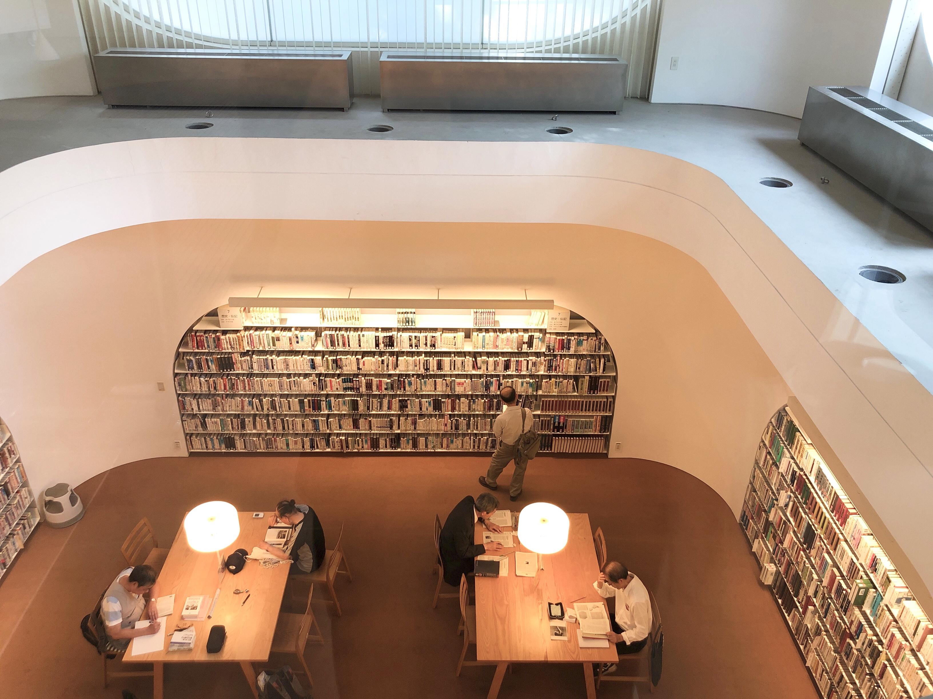 さながら美術館のような空間。